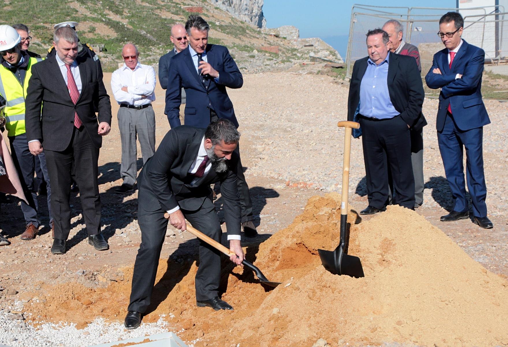 sebastian-coe-en-gibraltar_39165185754_o