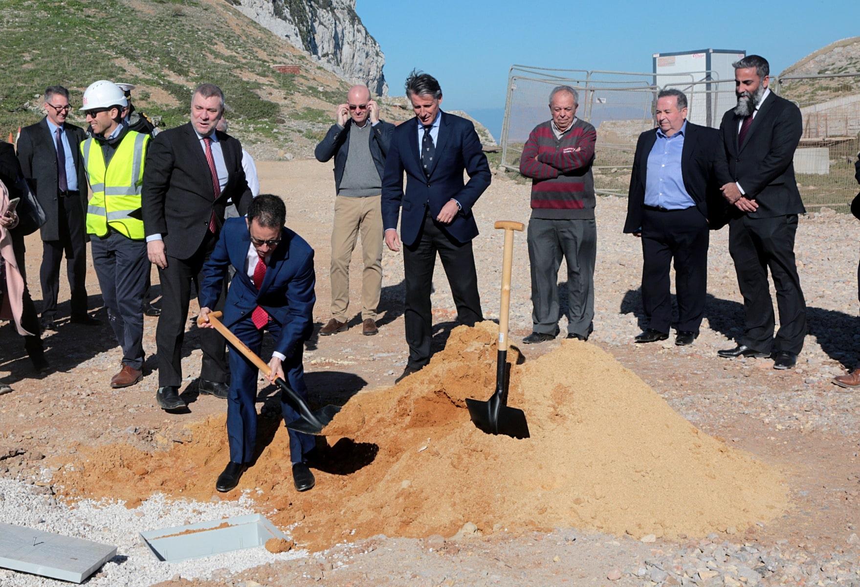 sebastian-coe-en-gibraltar_39843225002_o