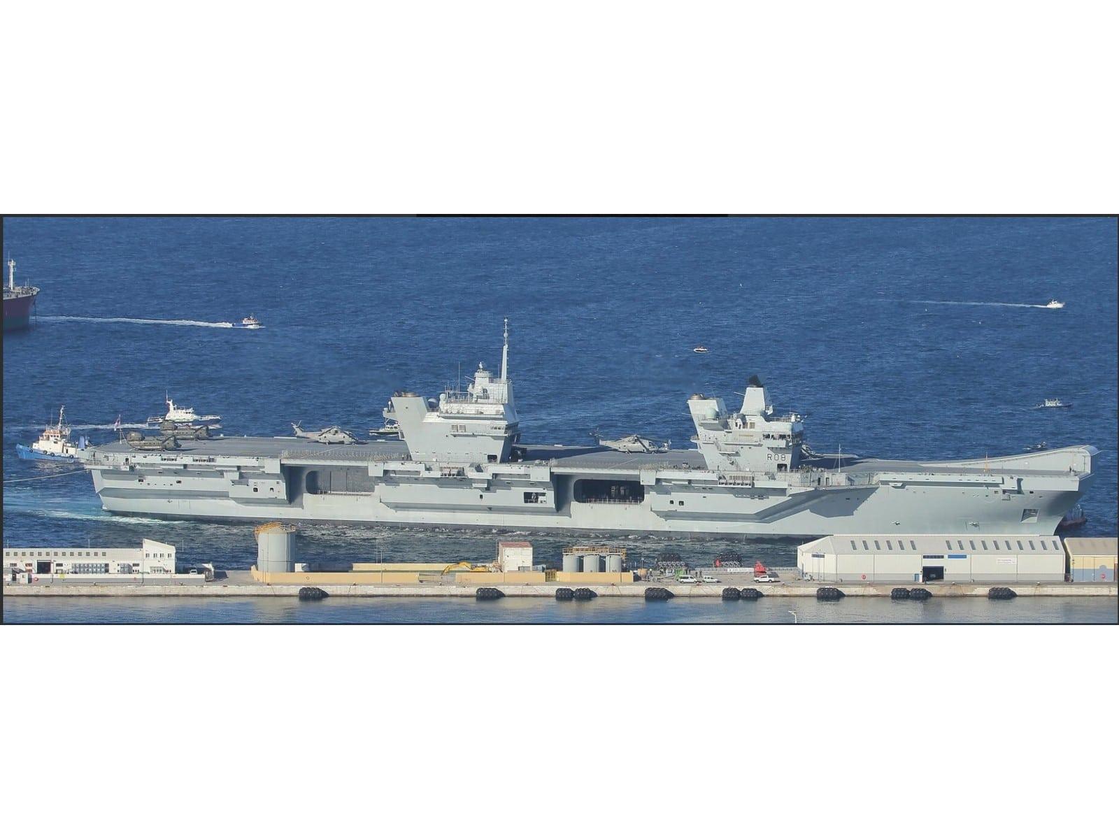 portaaviones-hms-queen-elizabeth-fondeado-en-el-puerto-de-gibraltar-1_40133905072_o