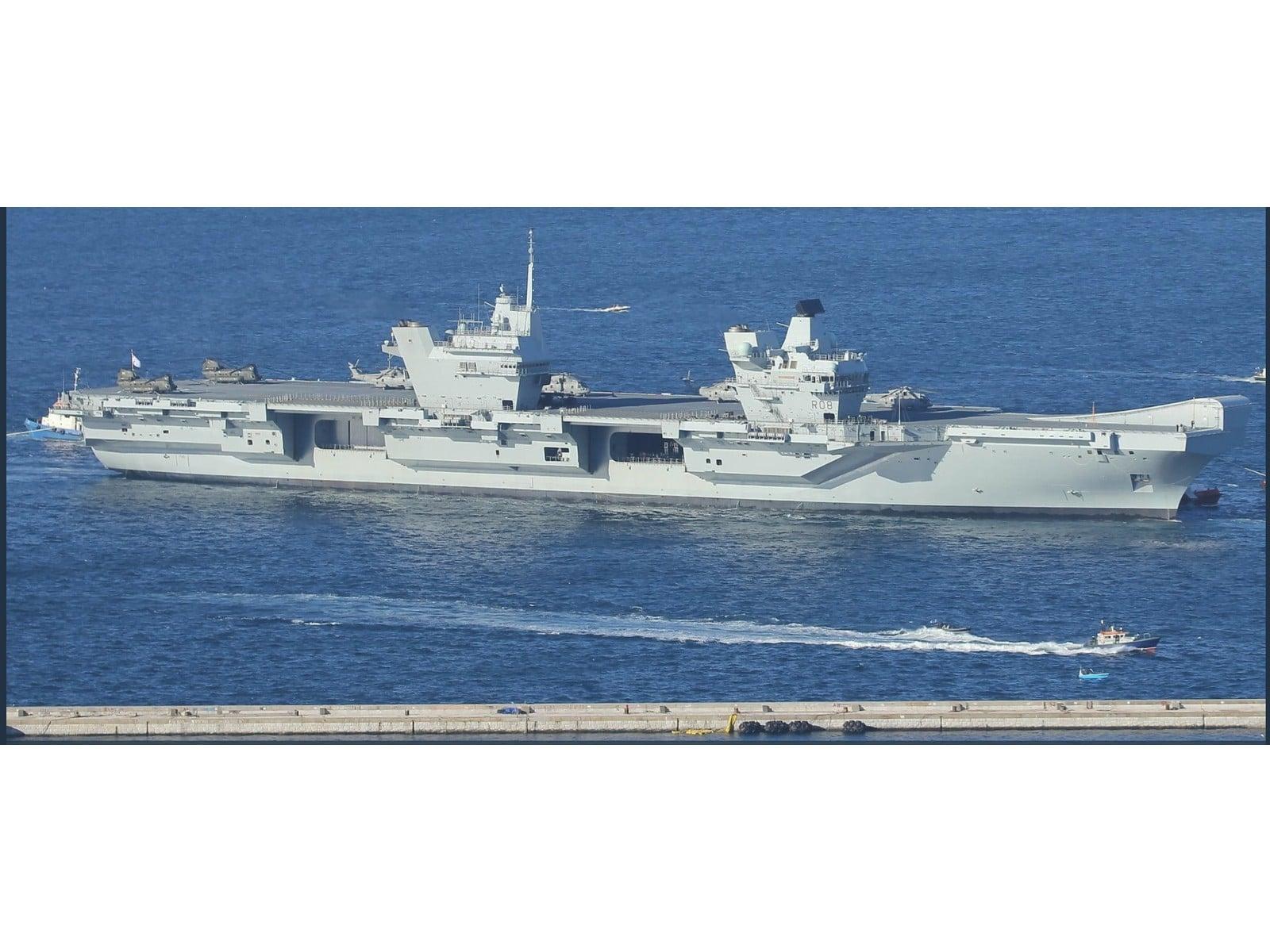 portaaviones-hms-queen-elizabeth-fondeado-en-el-puerto-de-gibraltar-2_40133904802_o