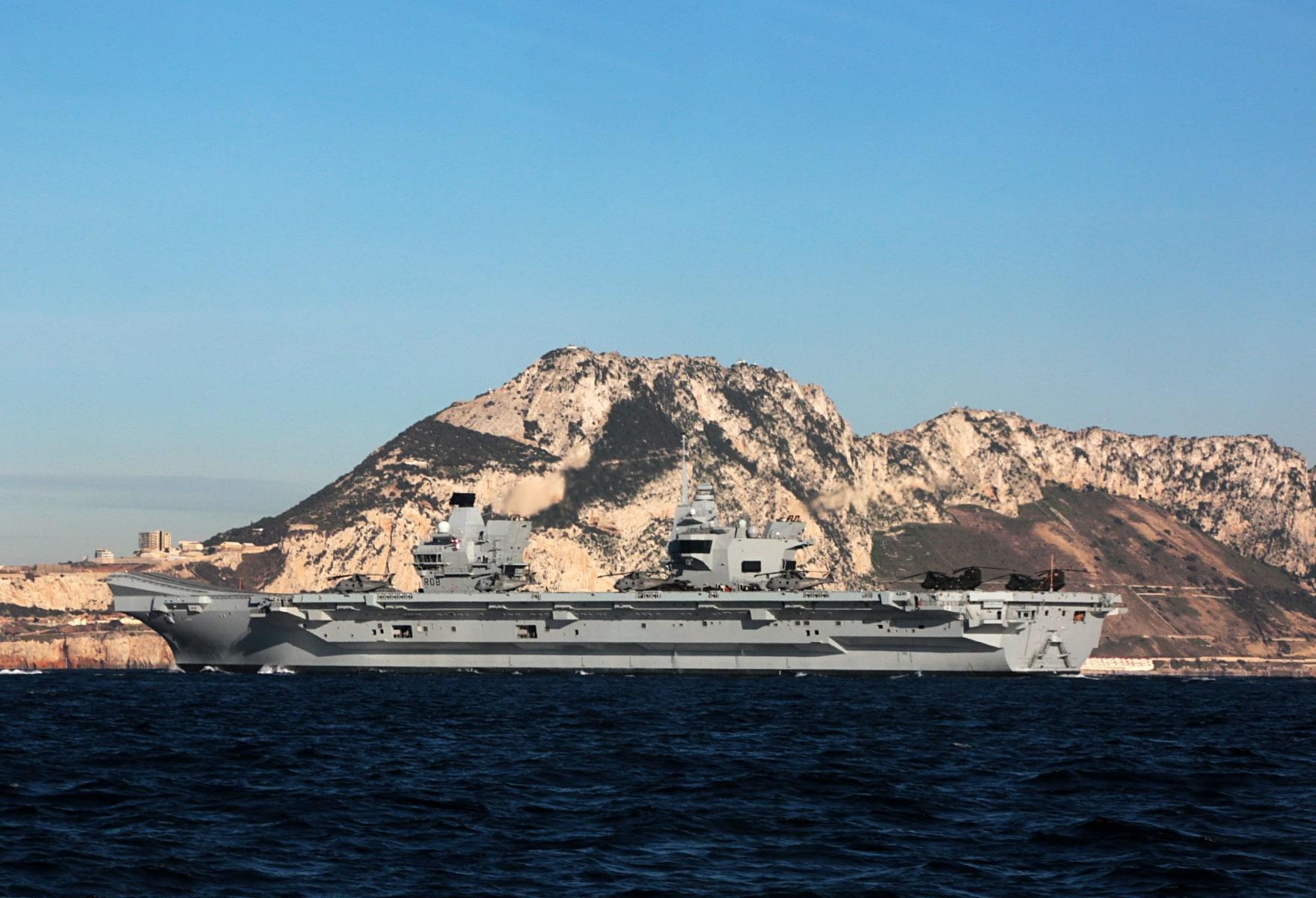 portaaviones-hms-queen-elizabeth-llegando-a-gibraltar-imagen-tomada-desde-uno-de-los-buques-de-apoyo-via-royal-navy-14_40133903872_o