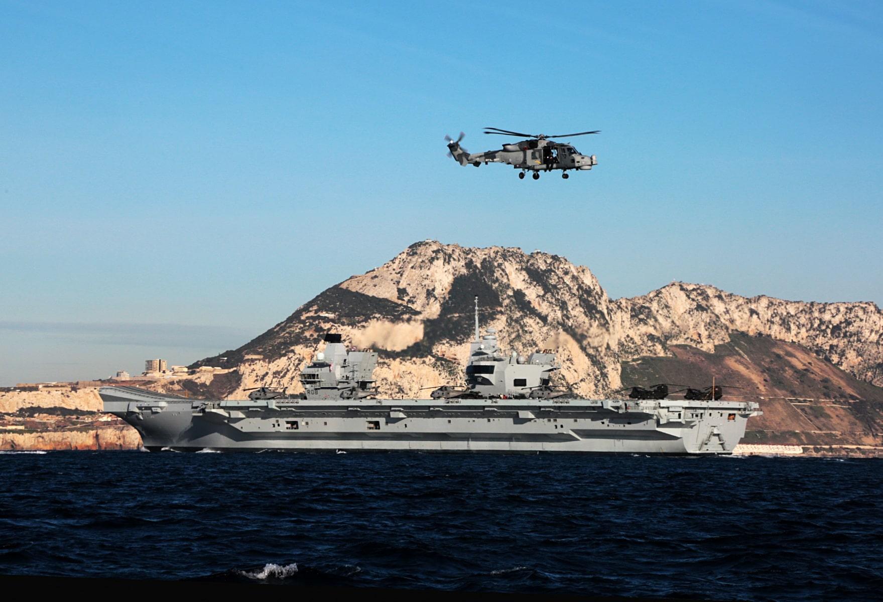 portaaviones-hms-queen-elizabeth-llegando-a-gibraltar-imagen-tomada-desde-uno-de-los-buques-de-apoyo-via-royal-navy-15_40133903232_o