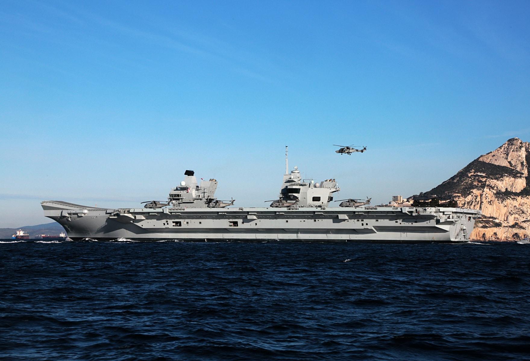 portaaviones-hms-queen-elizabeth-llegando-a-gibraltar-imagen-tomada-desde-uno-de-los-buques-de-apoyo-via-royal-navy-18_40133899952_o