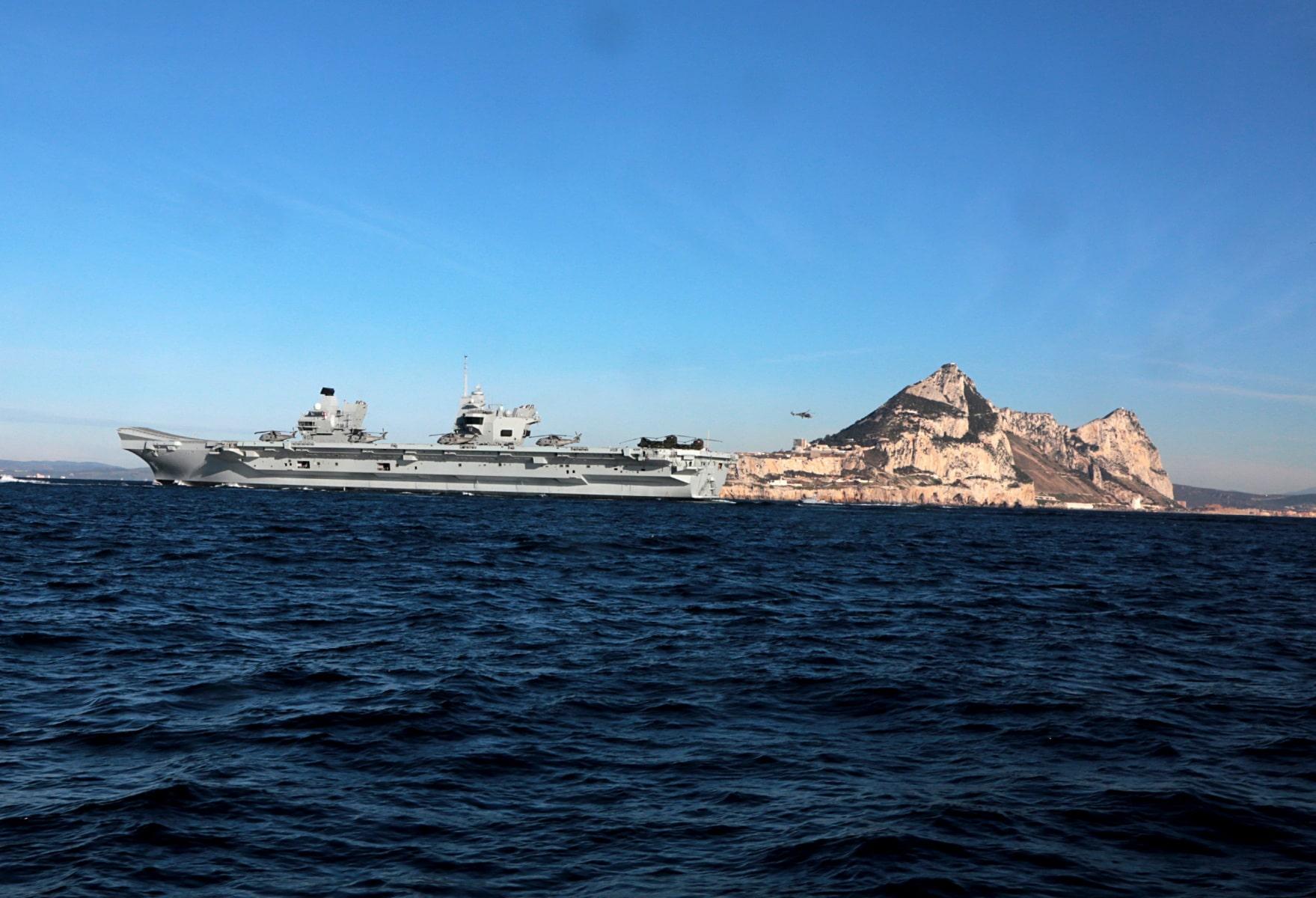 portaaviones-hms-queen-elizabeth-llegando-a-gibraltar-imagen-tomada-desde-uno-de-los-buques-de-apoyo-via-royal-navy-19_26293511548_o