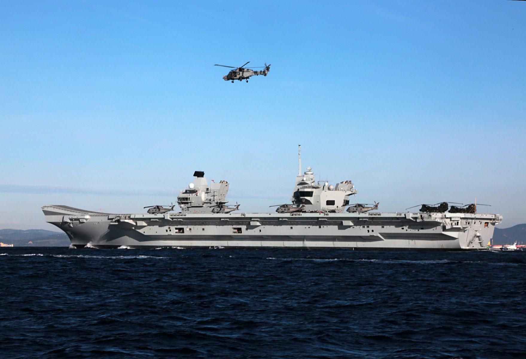 portaaviones-hms-queen-elizabeth-llegando-a-gibraltar-imagen-tomada-desde-uno-de-los-buques-de-apoyo-via-royal-navy-20_40133898262_o