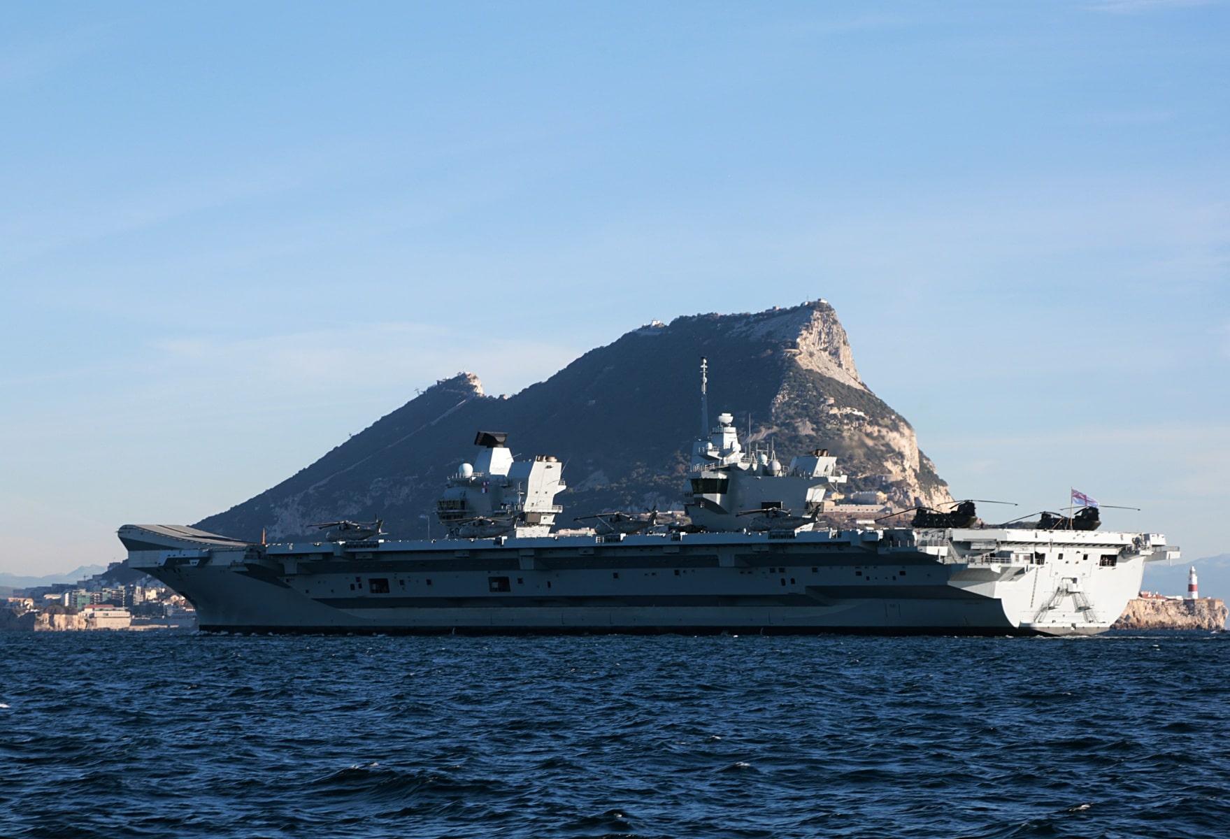 portaaviones-hms-queen-elizabeth-llegando-a-gibraltar-imagen-tomada-desde-uno-de-los-buques-de-apoyo-via-royal-navy-22_28386236989_o