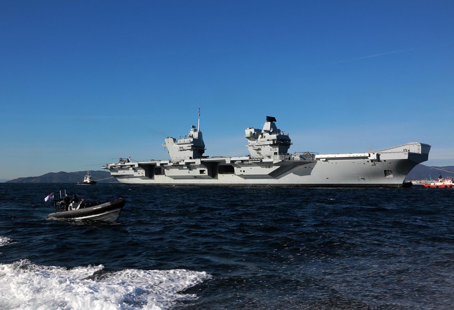 portaaviones-hms-queen-elizabeth-llegando-a-gibraltar-imagen-tomada-desde-uno-de-los-buques-de-apoyo-via-royal-navy-28_28386232519_o