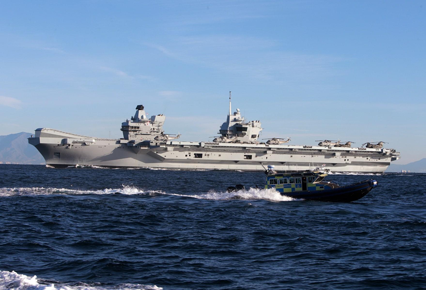 portaaviones-hms-queen-elizabeth-llegando-a-gibraltar-imagen-tomada-desde-uno-de-los-buques-de-apoyo-via-royal-navy-30_28386230879_o