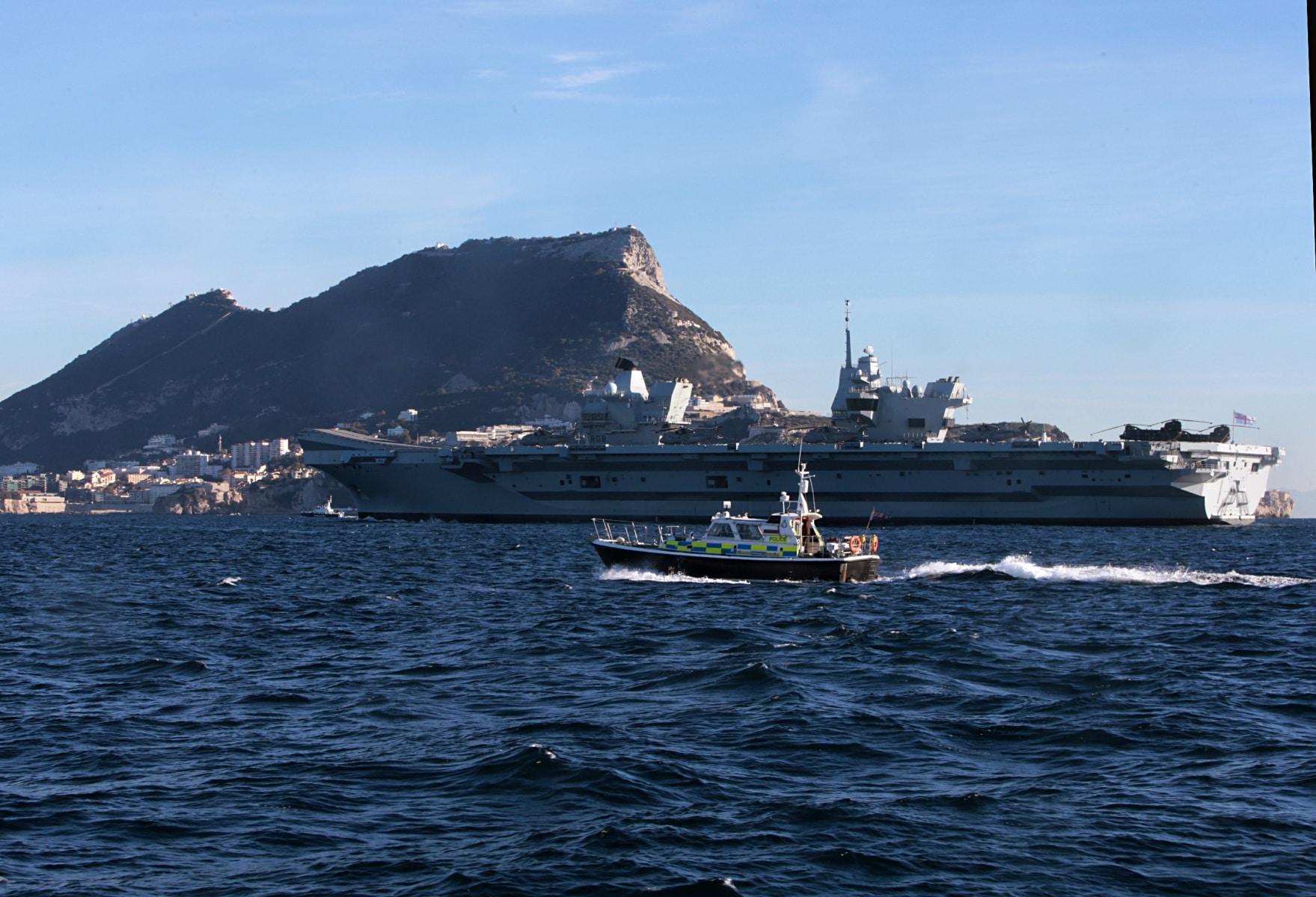 portaaviones-hms-queen-elizabeth-llegando-a-gibraltar-imagen-tomada-desde-uno-de-los-buques-de-apoyo-via-royal-navy-32_39267697245_o