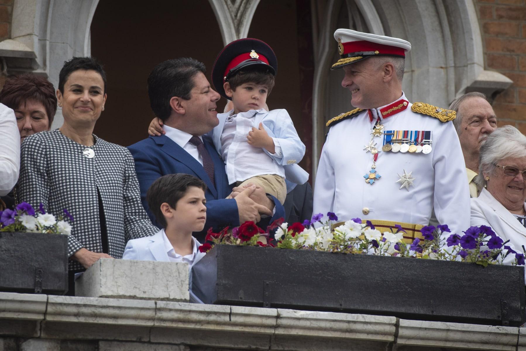 cambio-de-guardia-en-gibraltar-por-boda-real_40402220770_o