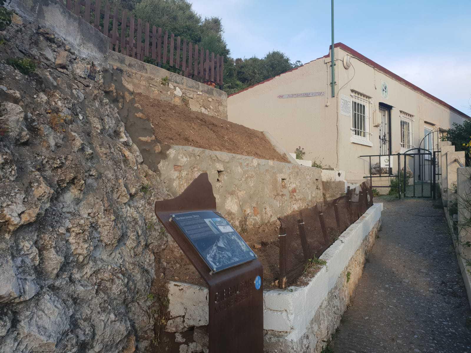 180607 - Gibraltar realiza trabajos en enclaves y en el litoral