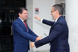 190913 Visita del Alcalde de La Línea y el Presidente de APYMELL al Gobierno de Gibraltar