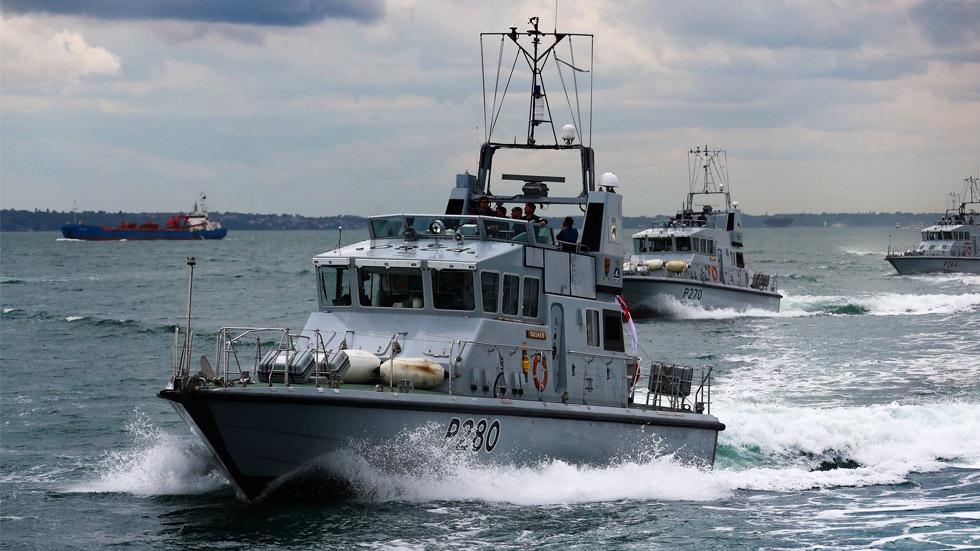 HMS-Dasher4