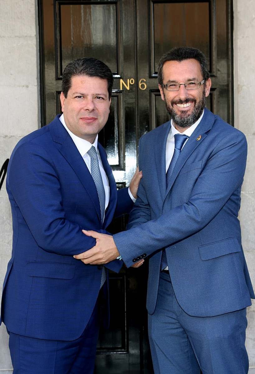 visita-del-alcalde-de-la-lnea-al-ministro-principal-de-gibraltar_48954055653_o