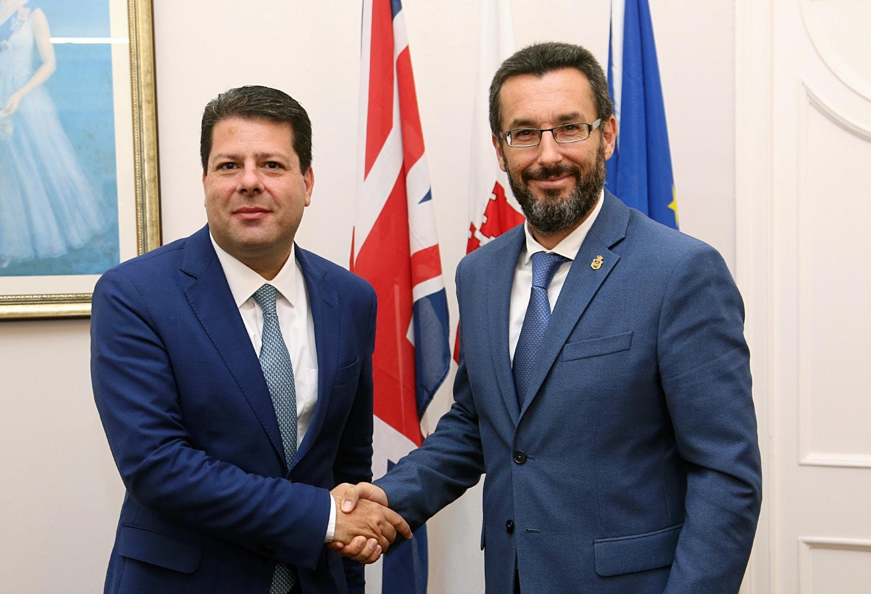 visita-del-alcalde-de-la-lnea-al-ministro-principal-de-gibraltar_48954605236_o