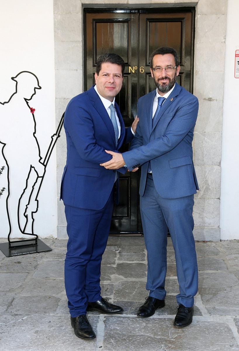 visita-del-alcalde-de-la-lnea-al-ministro-principal-de-gibraltar_48954792997_o