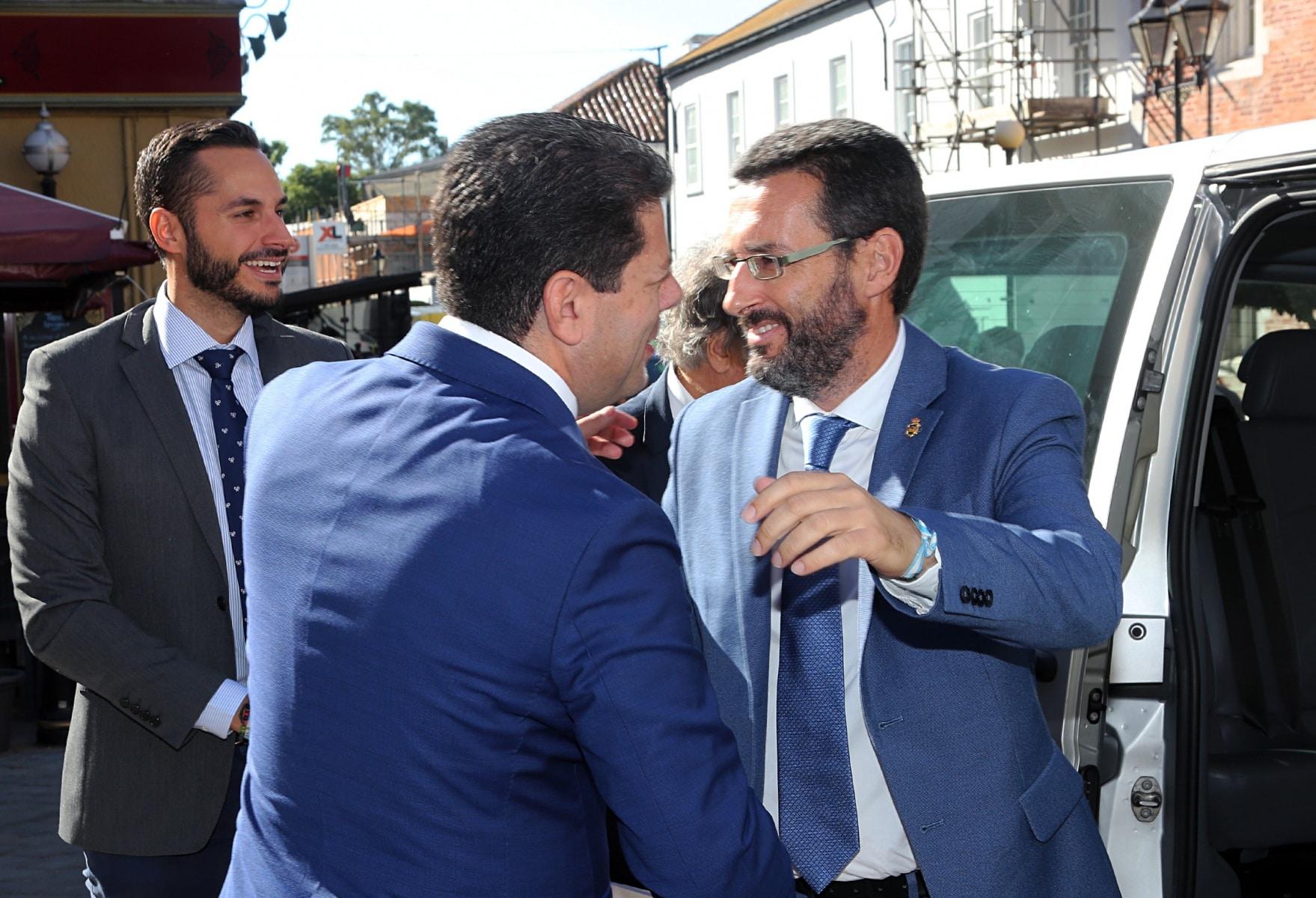 visita-del-alcalde-de-la-lnea-al-ministro-principal-de-gibraltar_48954793092_o