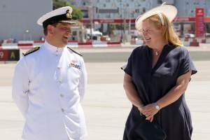 200610 Llegada del nuevo Gobernador Vicealmirante Sir David Steel
