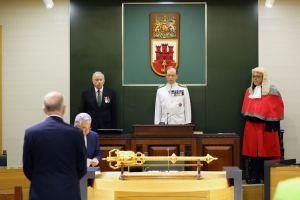 200611 Jura del nuevo Gobernador Vicealmirante Sir David Steel