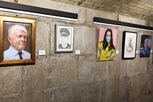 200824 Inauguración exposición 'Retratos de nuestros trabajadores de primera línea'