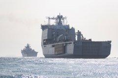 HMS-Albion-y-RFA-Lyme-Bay-Gib-2