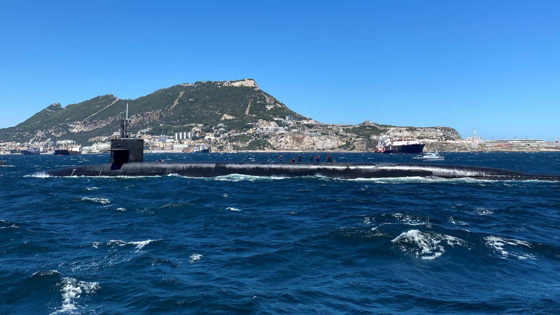 USS-Alaska-Gib-4