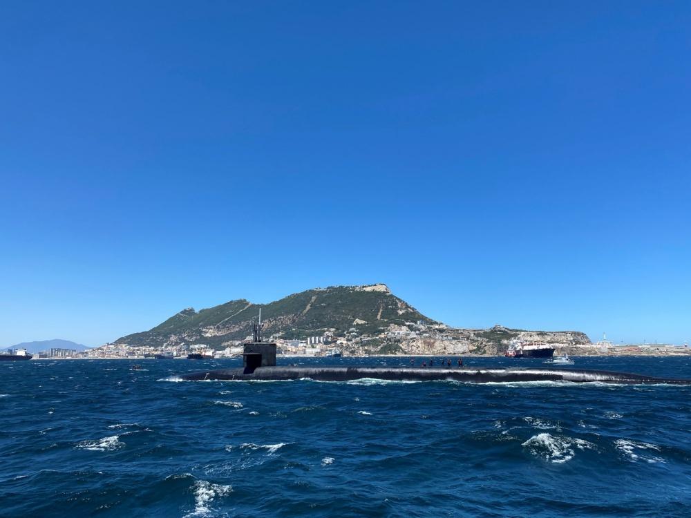 USS-Alaska-Gib-8