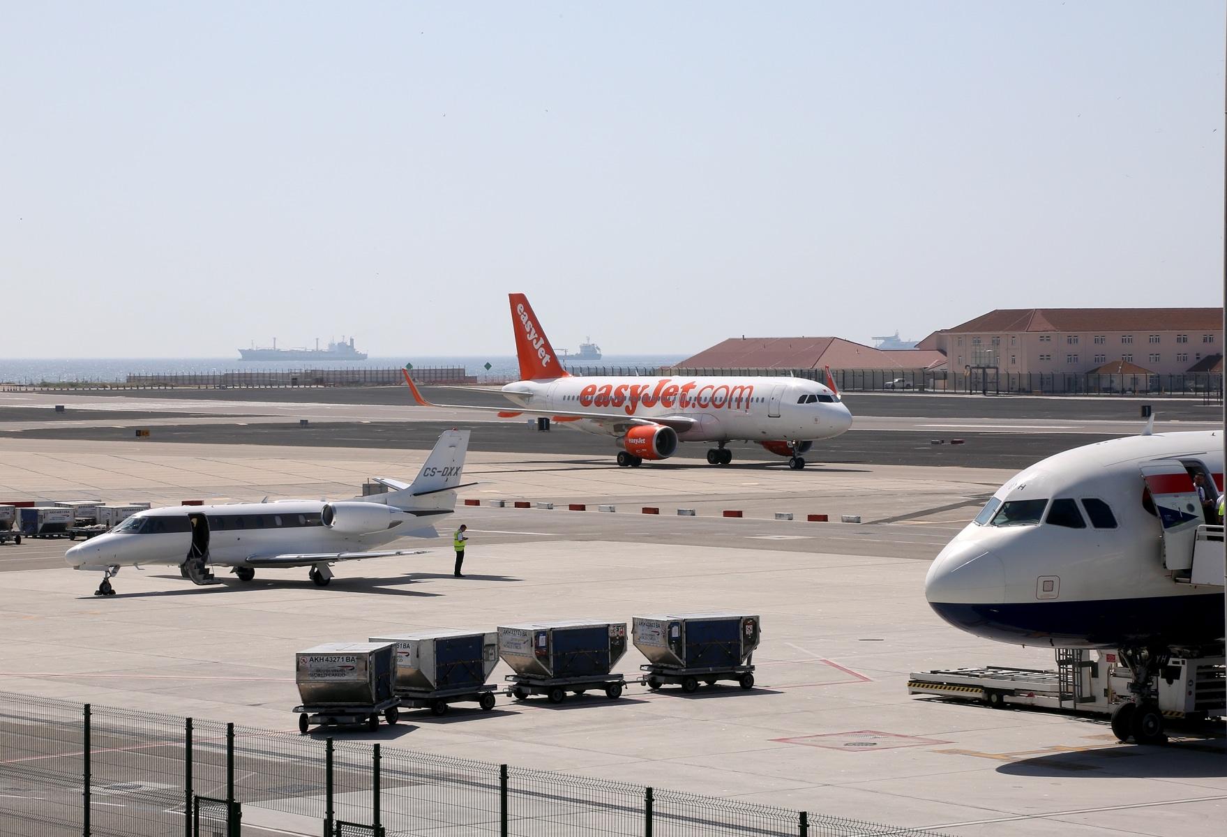 airport-0430_24765628787_o