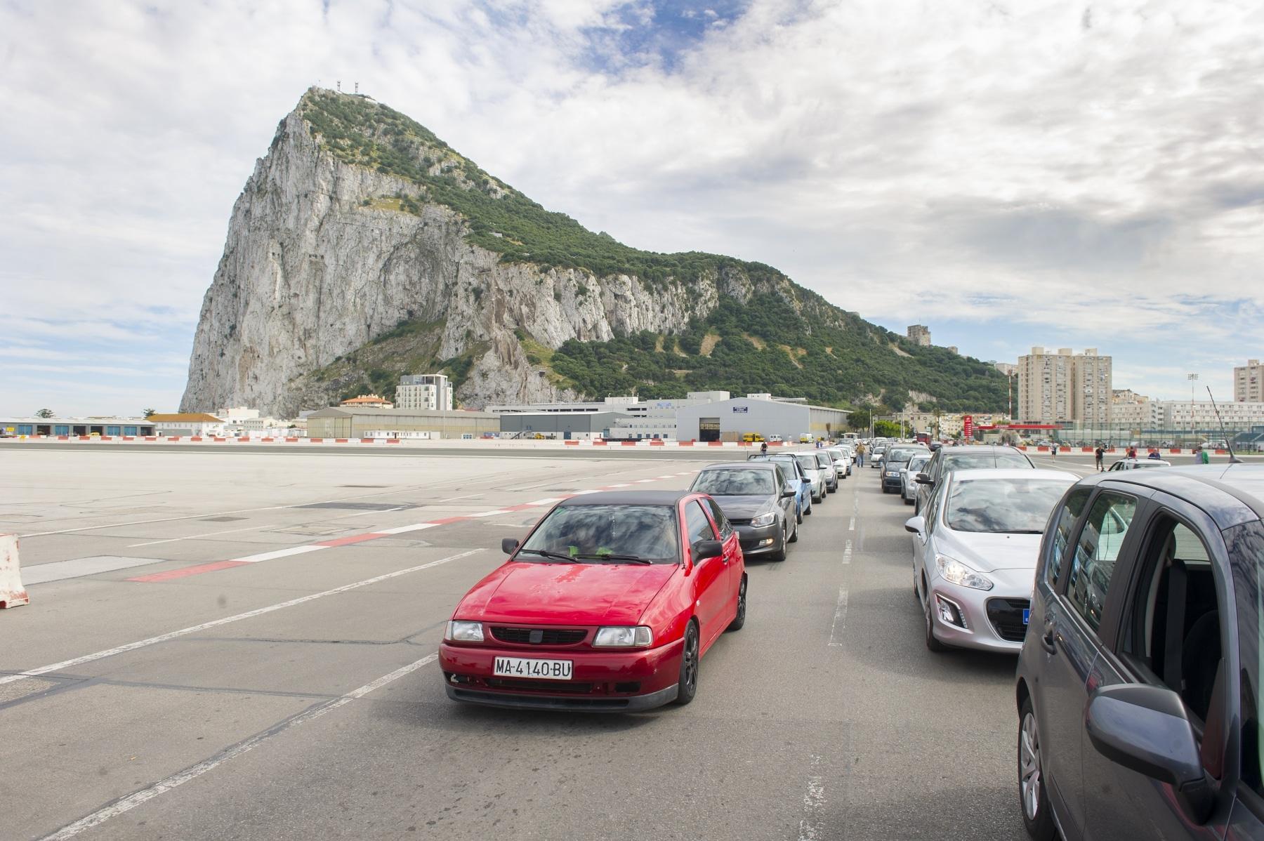 cola-vehiculos-dentro-de-gibraltar-02_9225068272_o
