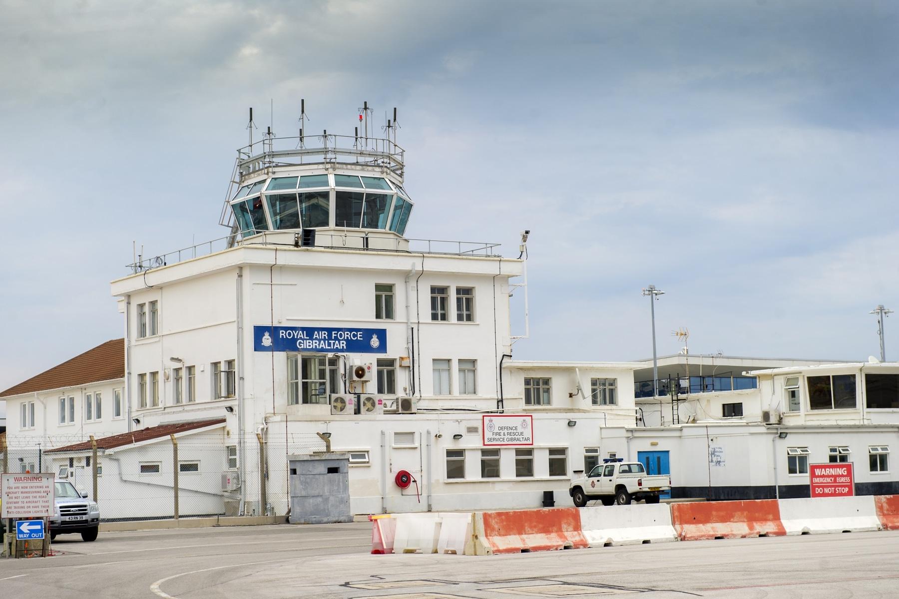 torre-control-aeropuerto-gibraltar-_9222273639_o