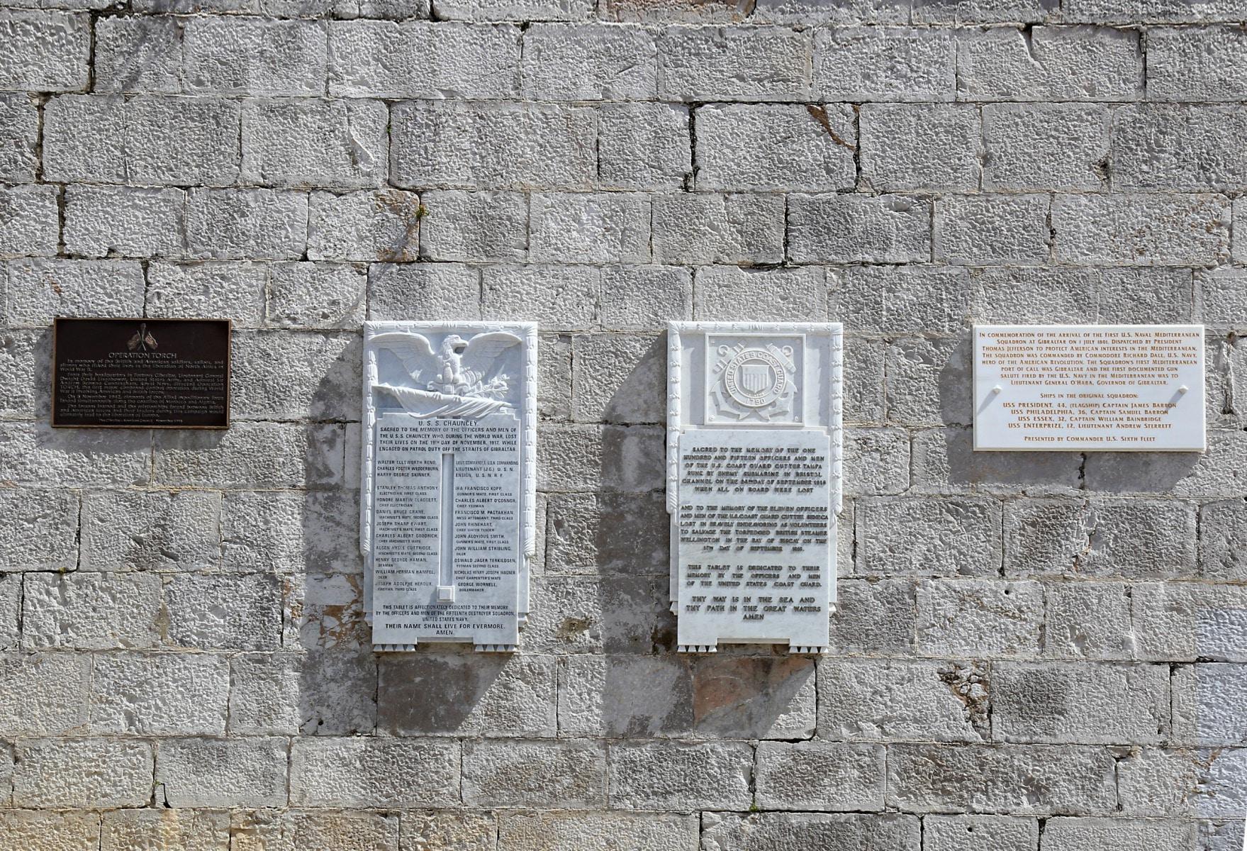 american-war-memorial-7760_39633617661_o