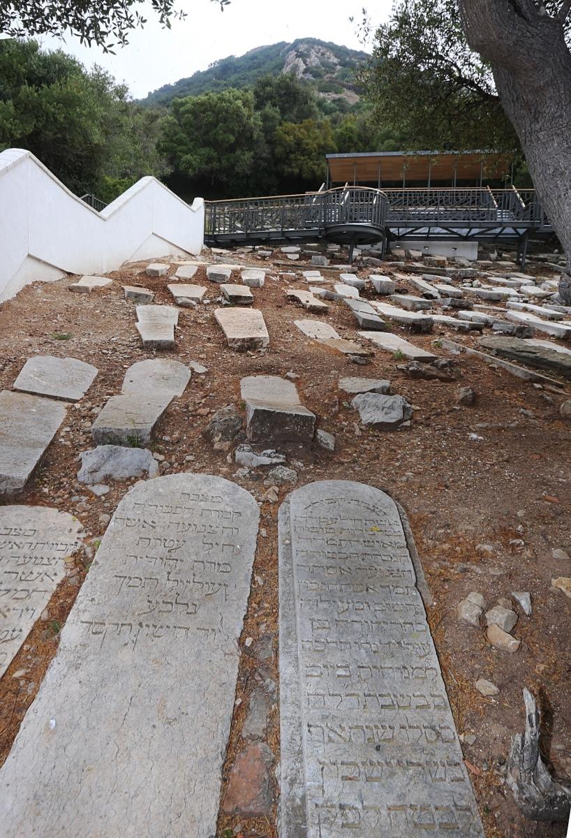 jews-gate-cemetery-0489_24765624257_o