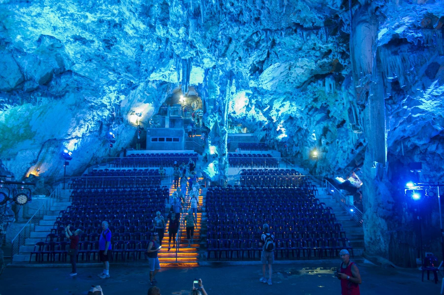 cueva-de-st-michael-gibraltar_22124499443_o