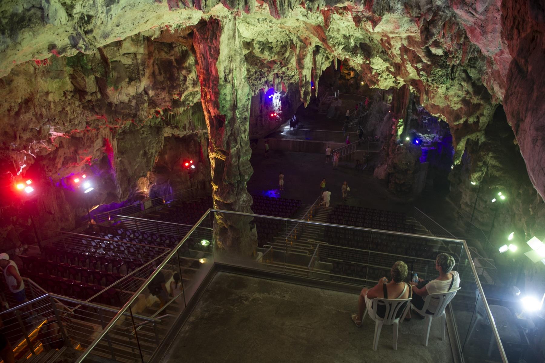 cueva-de-st-michael-gibraltar_22557751520_o