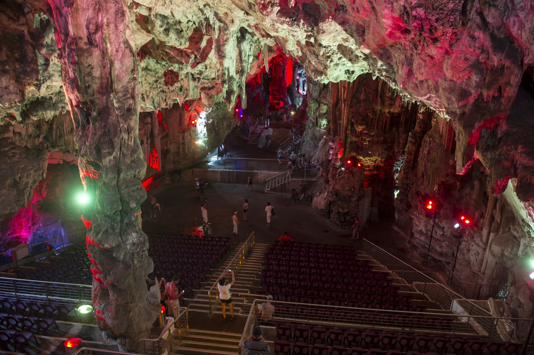 cueva-de-st-michael-gibraltar_22745638715_o