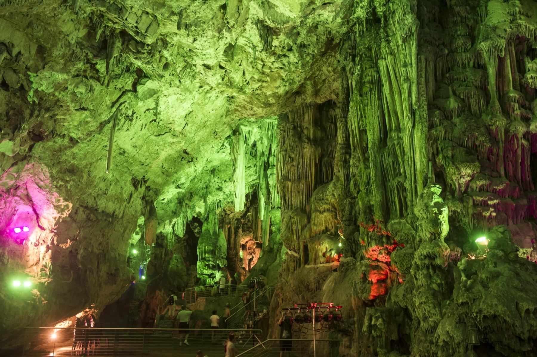 cueva-de-st-michael-gibraltar_22756840961_o