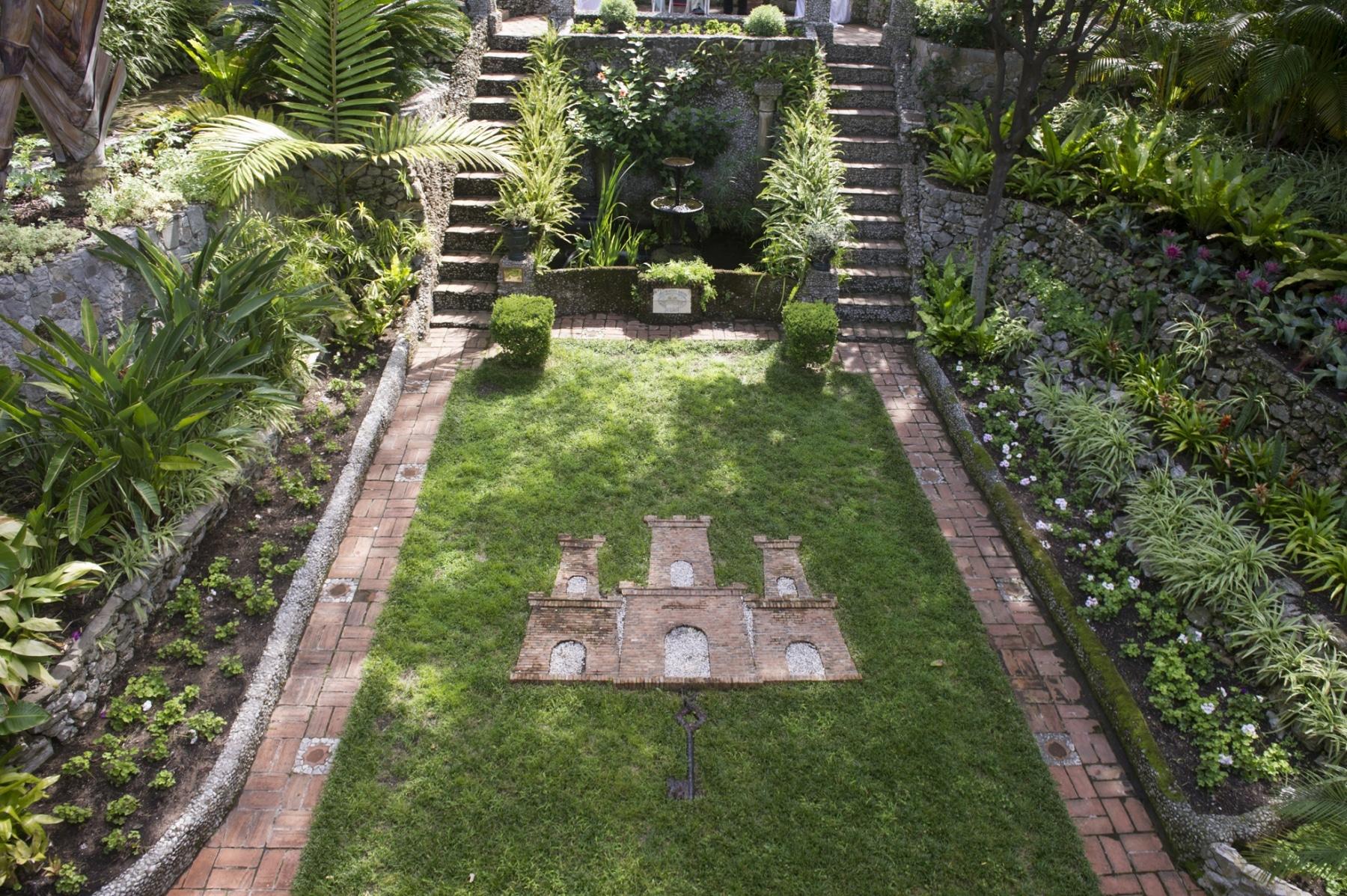 alameda-gardens-6_39603355122_o
