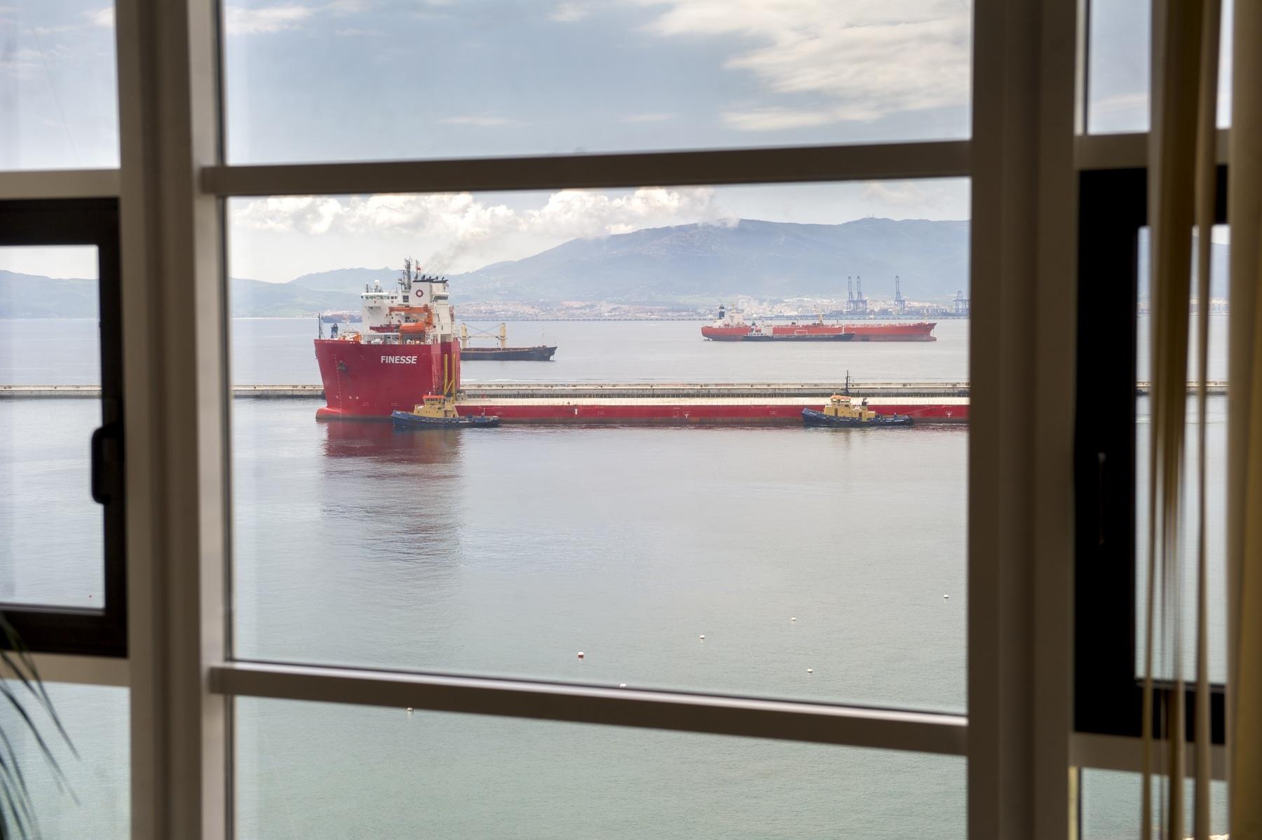 barco-entrando-en-gibraltar-_9225011758_o