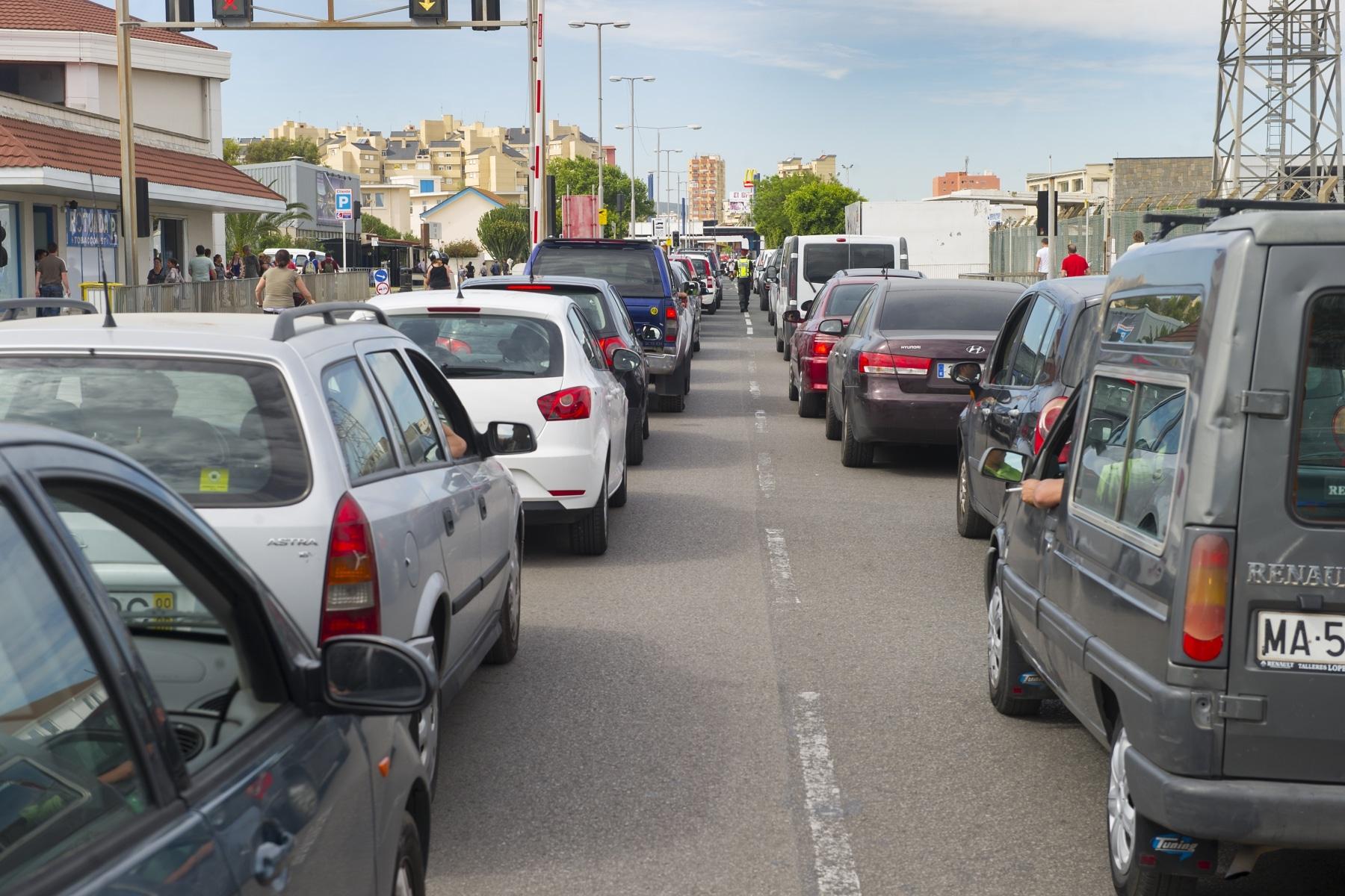 cola-vehiculos-dentro-de-gibraltar-03_9222290345_o