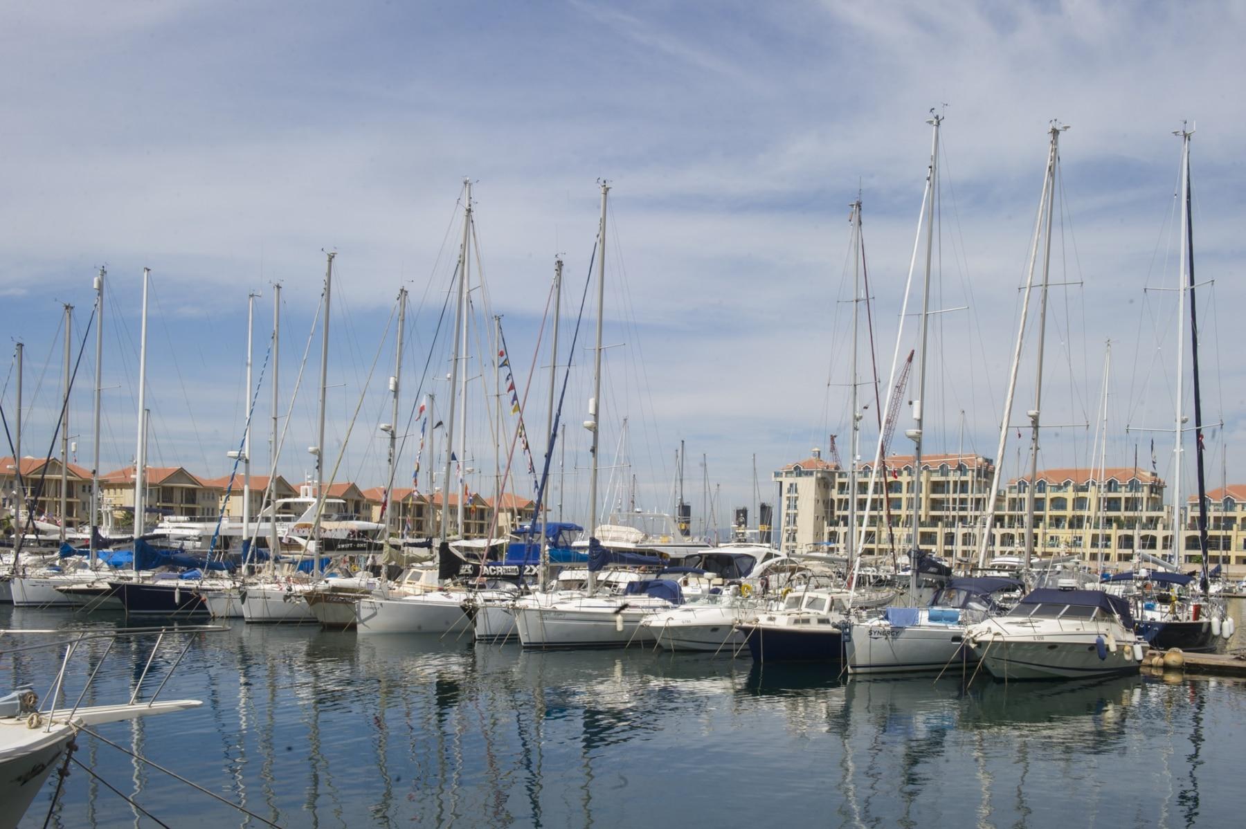 la-marina-de-ocean-village-en-gibraltar_22552229600_o