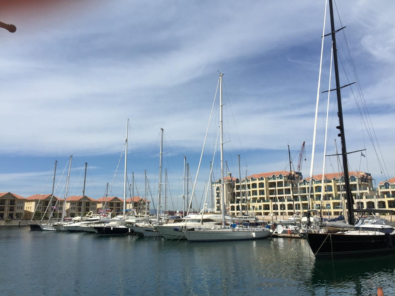 la-marina-de-ocean-village-en-gibraltar_22740531875_o