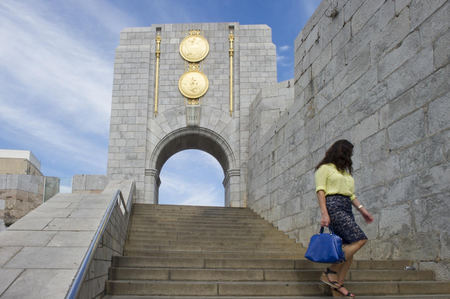 memorial-en-honor-a-los-cados-estadounidenses-en-gibraltar-durante-la-i-guerra-mundial_22714086786_o