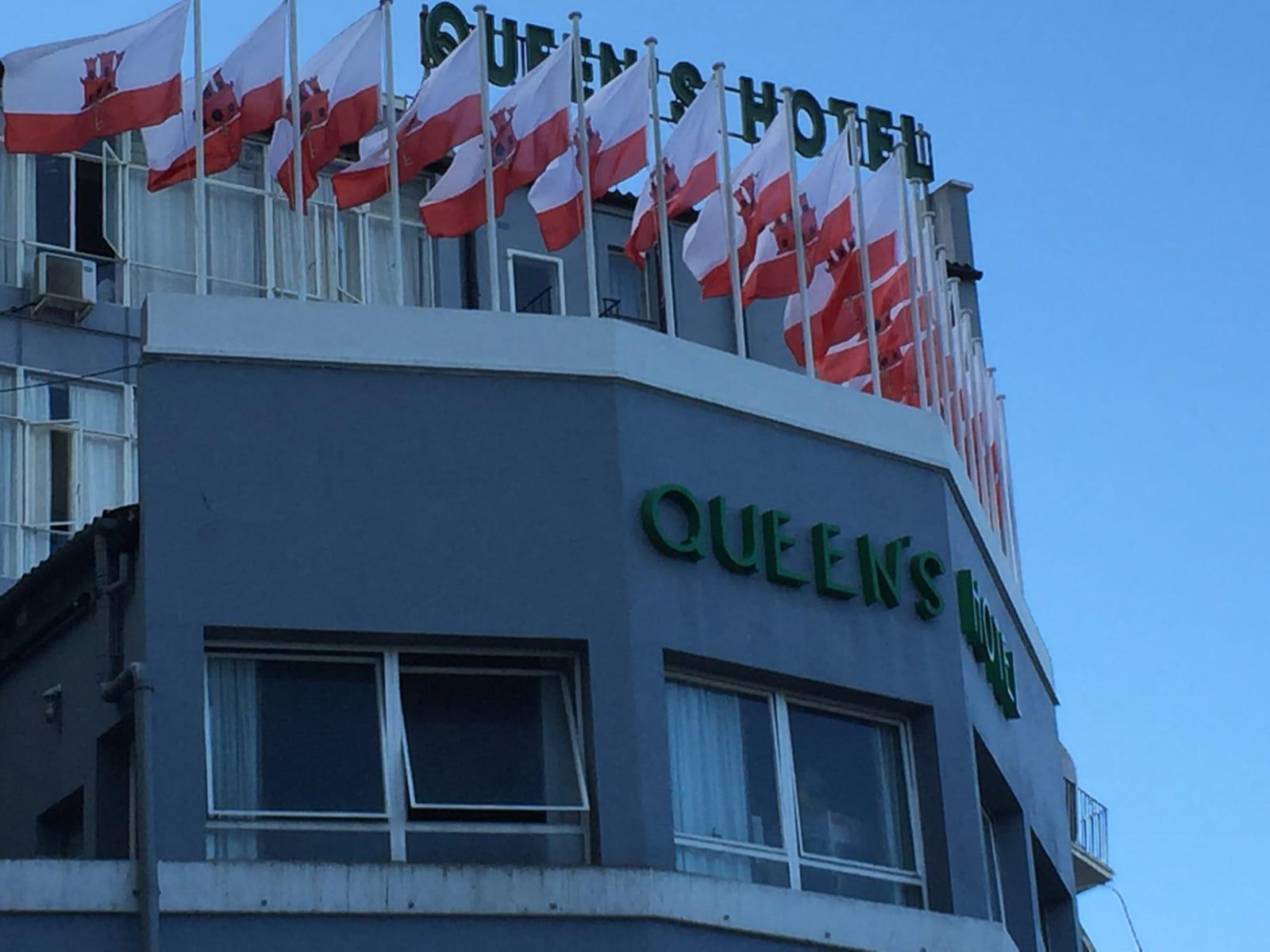 otro-clsico-del-turismo-de-gibraltar-el-queens-hotel_22727032072_o