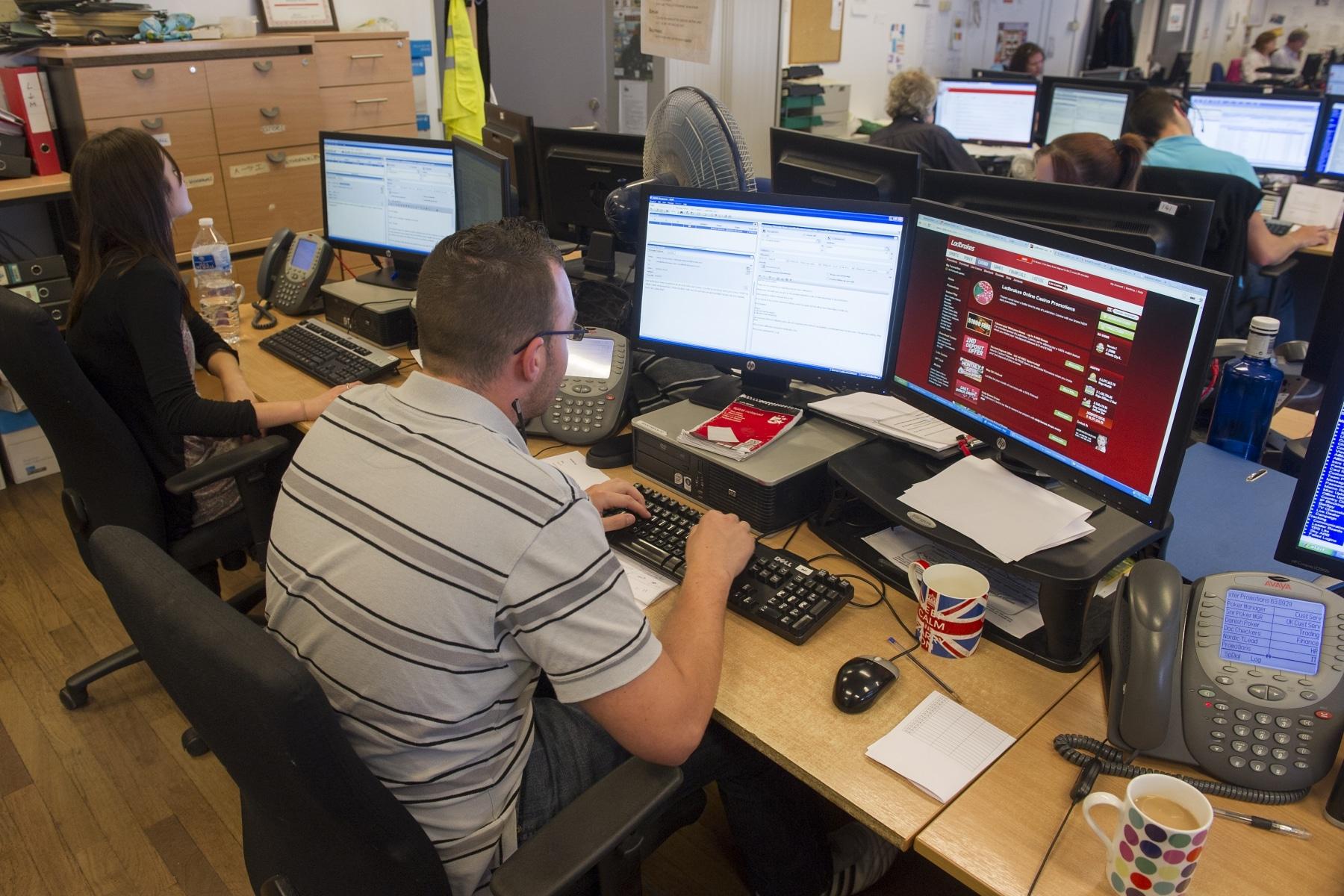 sector-juego-online-ladboke-gibraltar-02_9225058606_o