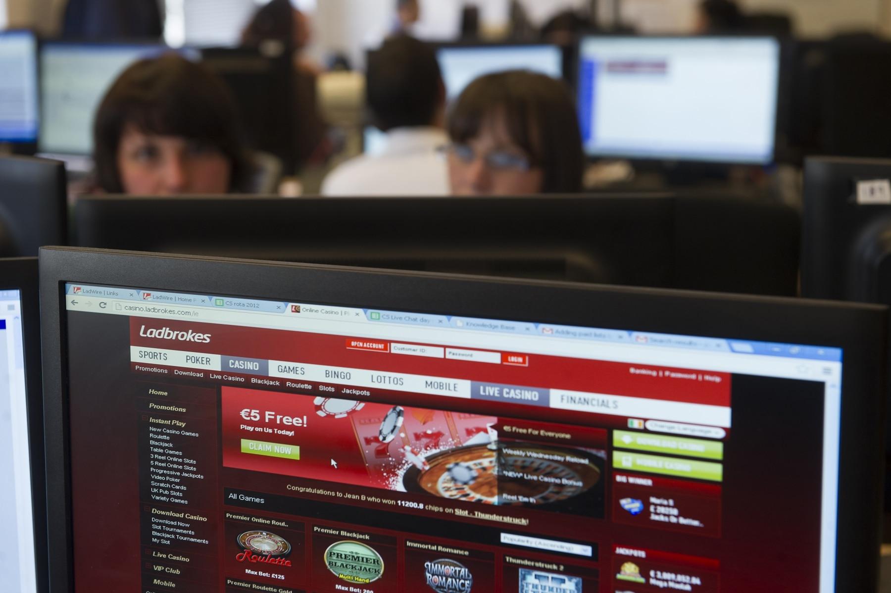 sector-juego-online-ladboke-gibraltar-10_9222283431_o