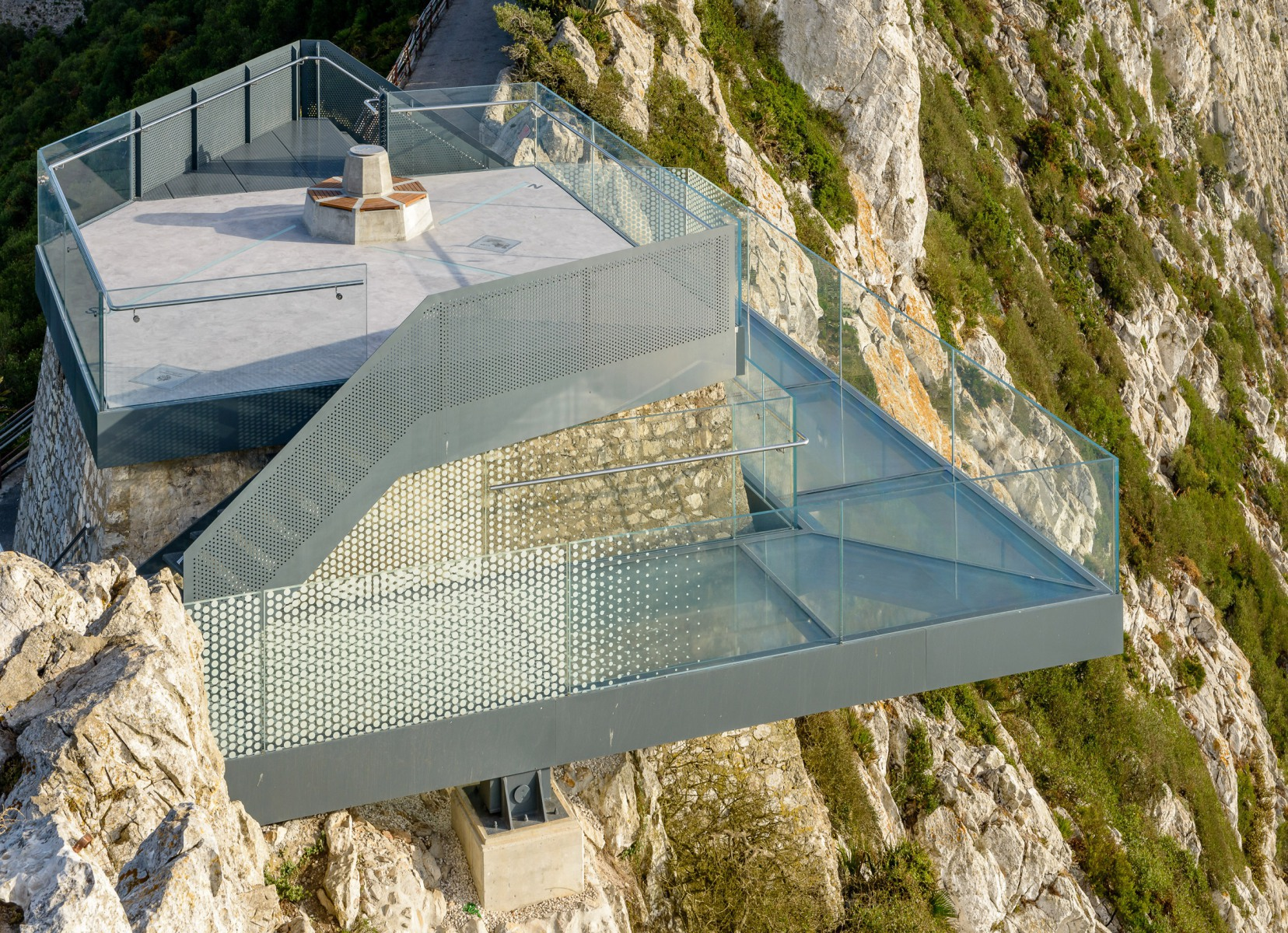 skywalk-gibraltar-7-photo-taken-for-bovis-koala-jv-by-meteogibs-photographer-stephen-ball_41367548320_o