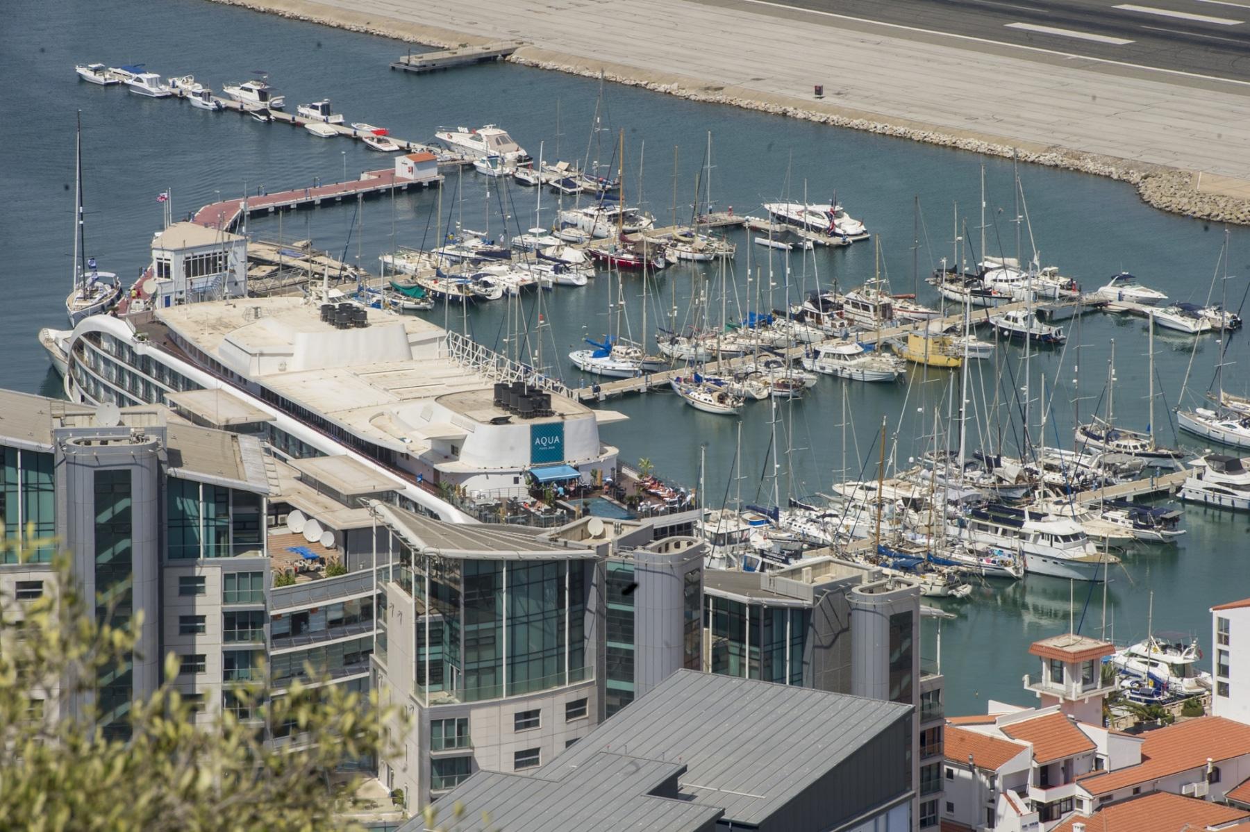 la-marina-de-ocean-village-desde-la-parte-alta-del-pen-de-gibraltar_22551851240_o