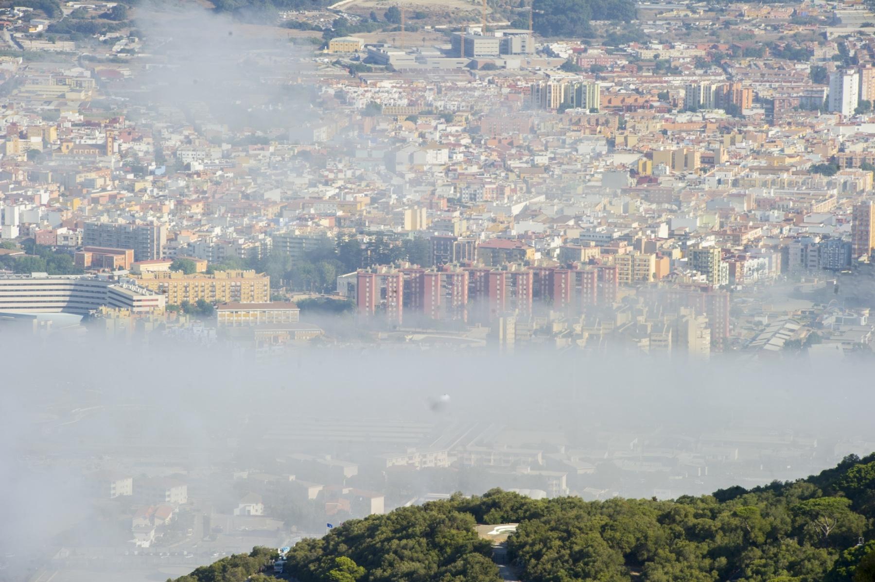 la-nube-de-levante-es-acompaante-habitual-de-la-parte-alta-del-pen-de-gibraltar_22725718382_o